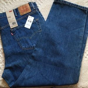 NWT 550 Levis